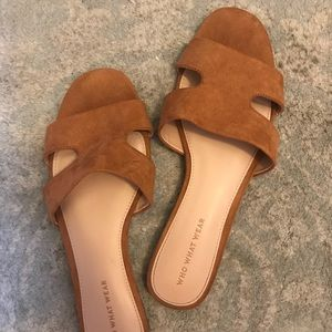 Who What Wear tan suede sandal size 9